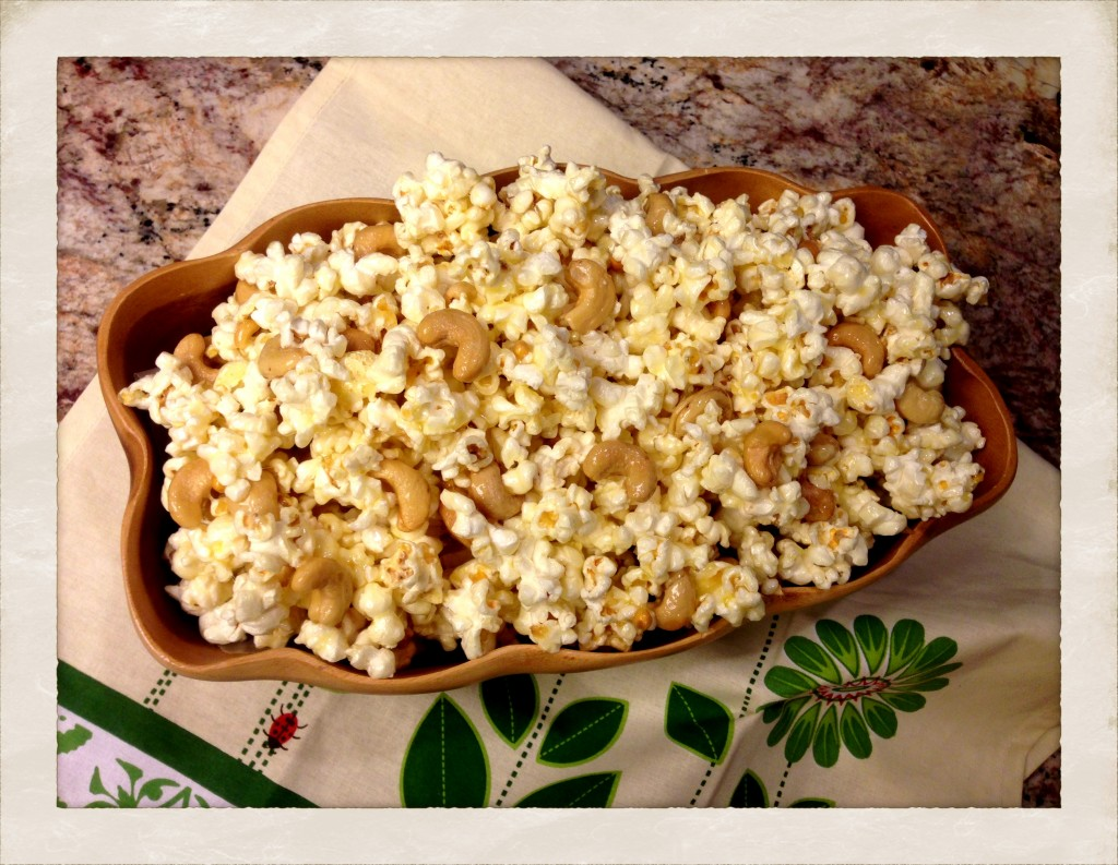 Caramel popcorn with cashews!