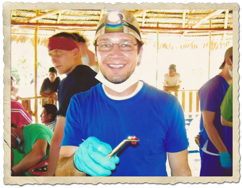 Dental aide in Peru