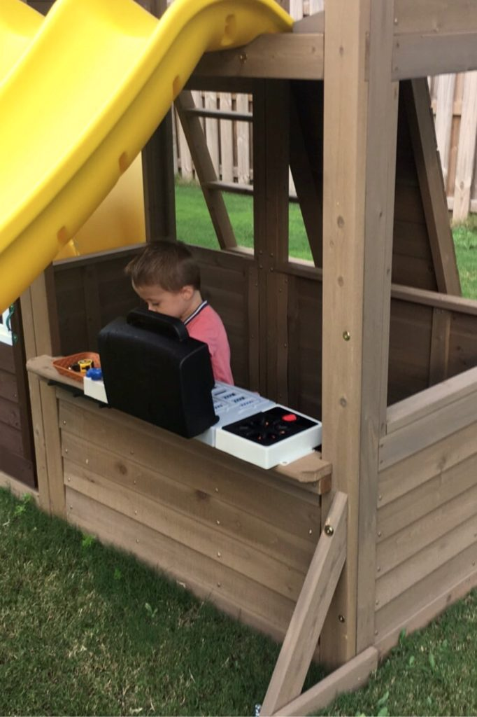 Toddler grilling play set.